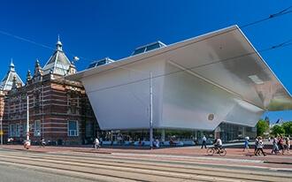 המוזיאון לאמנות מודרנית - Stedelijk