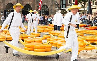 שוק הגבינות באלקמר - Cheese Market Alkmaar
