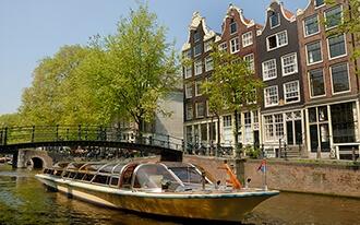שייט תעלות - מסלול מרתק בלב אמסטרדם