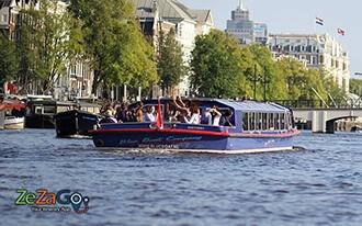 שייט בתעלות אמסטרדם - Blue Boat